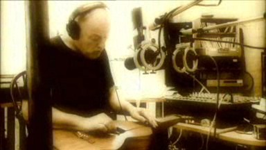Mr David Gilmour playing Slide Guitar in his Smile Music Video