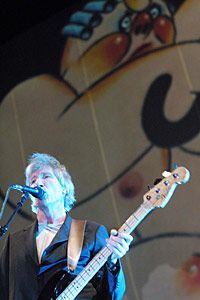 Roger Waters tour 2010 Performing Live The Wall