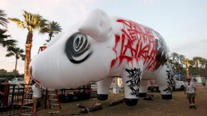 Roger Waters Coachella Pig 2016