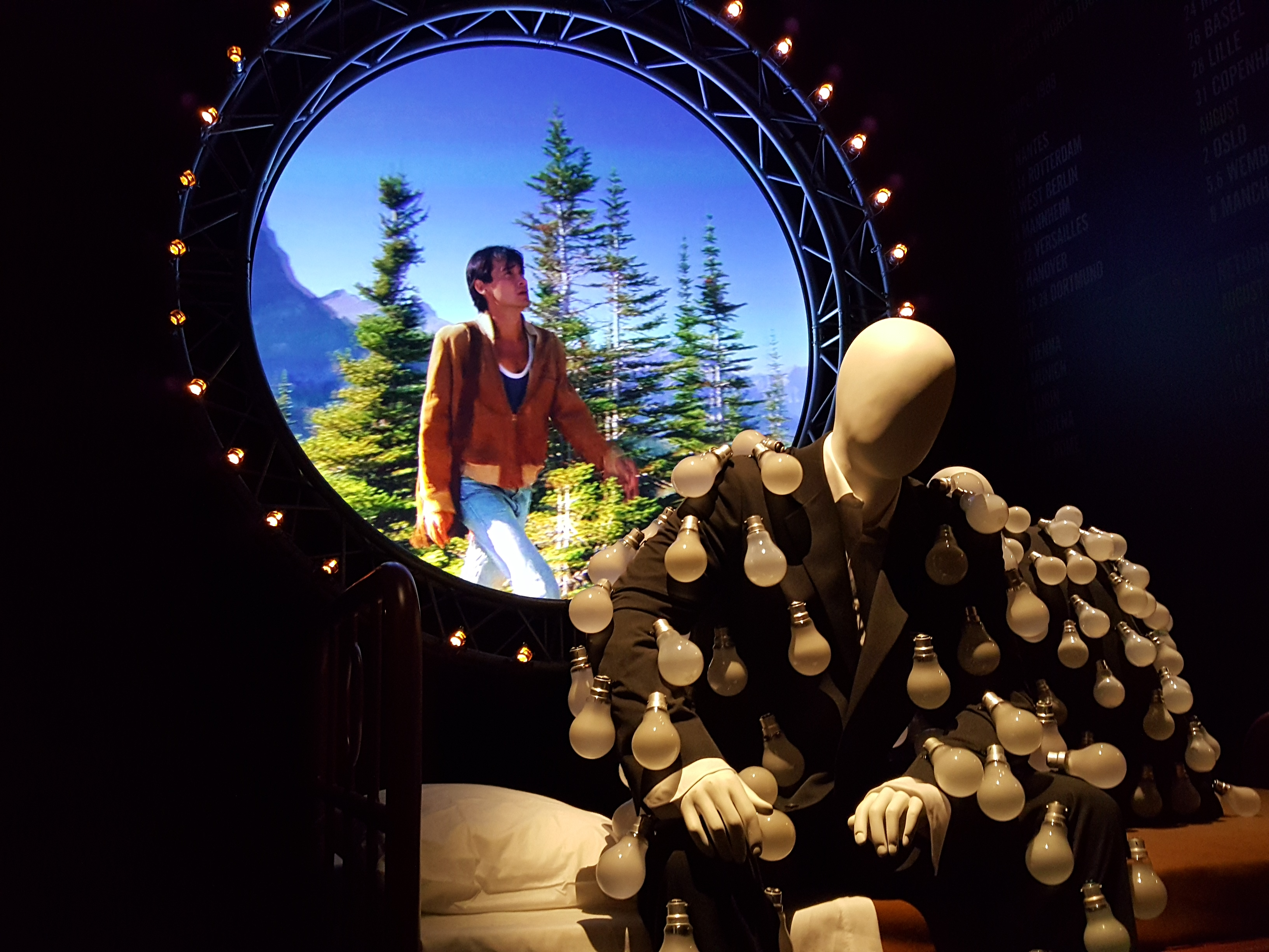Pictures from the pink floyd mortal remains exhibition for Pink floyd exhibition