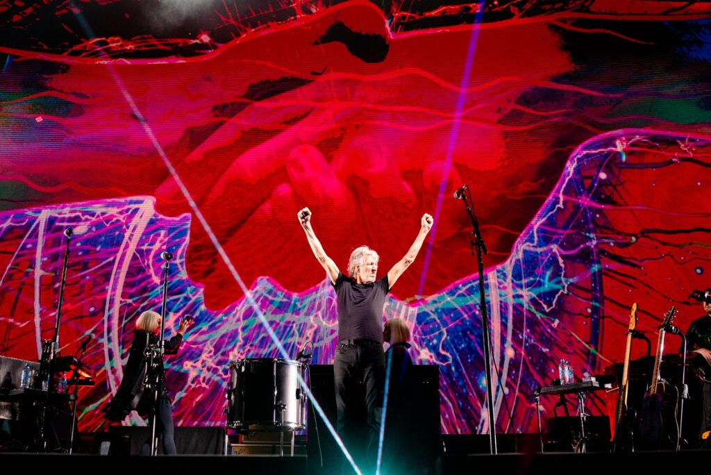 Roger Waters Us and Them Concert Film Streaming Video